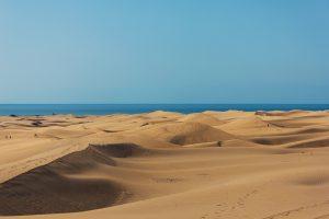 Este mes de junio, más de 30 playas compiten por el título de la mejor playa, entre las que se encuentra la española Maspalomas, en Gran Canaria